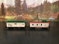 Ho Scale Peanuts Snoopy Christmas Express Wooden Baggage / Mail Car And Caboose