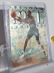 1998-99 Skybox Metal Universe Grant Hill 33 Detroit Pistons Holographic Card