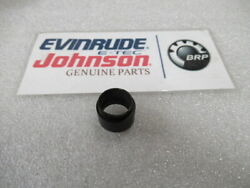 E40 Johnson Evinrude Omc 305145 Water Tube Grommet Oem New Factory Boat Parts