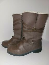 Womens totes boots size 8 $24.99