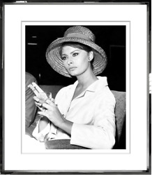 1600 Rare Magnificent Numbered Sofia Loren Black And White Framed Photo