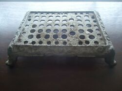 Antique Cast Iron Victorian Small Table Top Display Stand 7 Inches Length