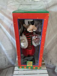 Small World Holiday Goofy Motionette Animated 1994 New