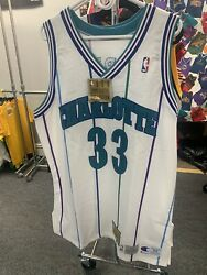 New Nba Commemorrative Collection Champion Hornets Alonzo Mourning Rare Vintage