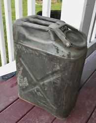 Us Military Water Can Jerry Can Gas Can Vintage Equipment