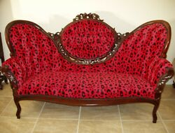 Antique Settee Couch. Victorian. Walnut. Flower Carving. Leg Engraved.ca. 1890