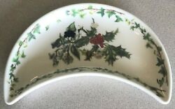 Portmeirion - England - The Holly And The Ivy - Crescent Salad Plate - 8 5/8