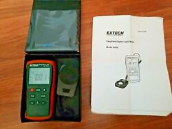 Extech Easyview 30 Wide Range Light Meter Ea30 With User Guide And Carrying Case