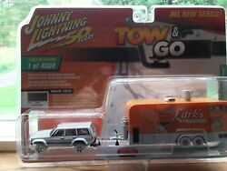 Johnny Lightning White Lightning Tow And Go Jeep Cherokee
