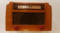 Dewald 1946 A-502 Model Radio. Butterscotch With Red Nobs