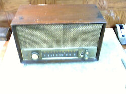 Vintage Zenith Model Unknown Tube Radio For Parts Or Restoration