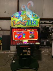 Incredible Technolgies Looney Tix Coin Operated Arcade Ticket Redemption Game