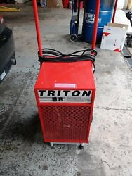 Ebac Triton Dehumidifier W/ Folding Handle And Pump5 Amps 282 Cfm 52 Pints