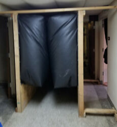 4' Squeeze Room - Claustrophobia Room - Haunted House -halloween- George Maser