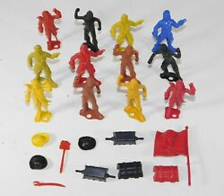 Lot Of 22 Vtg Mpc Early Ring Hand Pirates Treasure Sword Soldier Plastic Toy Set
