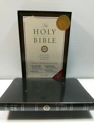 Esv Holy Bible, Black Bonded Leather Cover, Thinline, English Standard Version