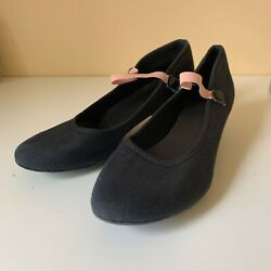 black character shoes size 5 good condition