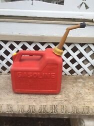 Vintage Chilton 2 1/2 Gallon Model P25 Pre-ban Vented Gas Can Made In Usa
