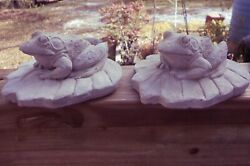 2 FROGS ON A LILY PAD CEMENT STATUE FIGURINE NATURAL GARDEN YARD ART PAINTABLE