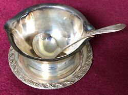 Vintage Wm Rogers And Son Spring Flower Pattern Silverplate Gravy Boat And Ladle