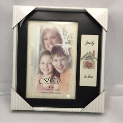 """Fetco Home Decor Pitcure Frame """"Family Is Love"""" 4""""x6"""""""