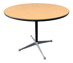 Mid Century Herman Miller For Eames Aluminum Group Dining Table