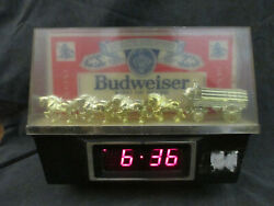 Budweiser King Of Beers Lighted Sign With Clydesdale Team And Wagon