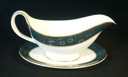 Beautiful Royal Doulton Carlyle Gravy Boat And Underplate