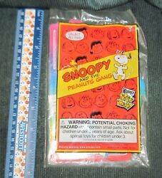 Wendy#x27;s Kids Meal Snoopy Comic Book Toy *Sealed New*
