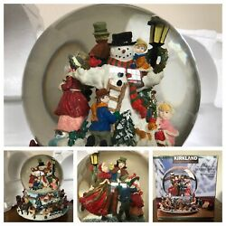 Musical Spinning Snow Globe Revolving Carolers Christmas Song Vintage-beautiful
