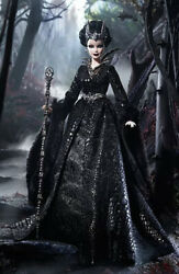 Queen Of The Dark Forest Barbie Doll Haunted Beauty Shipper Gold Label Rare
