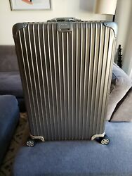 Rimowa Topas Titanium 32 Discontinued Size And Features
