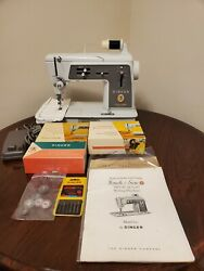 Singer Touch Sew Zig Zag 600e Sewing Machine With Accessories Works Great