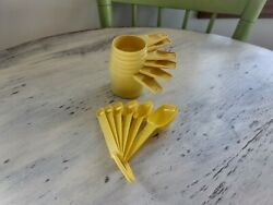Vintage Matching Yellow Tupperware Nesting 6 Measuring Cups And 6 Spoons Set Retro