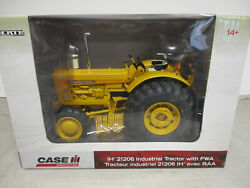 International Harvester 21206 Industrial Mfwd Toy Tractor 1/16 Scale Nib