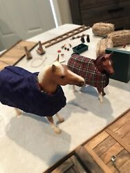 vintage breyer horses lot with Barn stable Miniatures Preowned