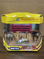 Breyer Stablemates #5406 Kittens amp; Foals Cats Play Set Playset