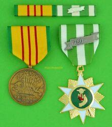 Vietnam Campaign Medal And Vietnam Service Medal With Mounted Ribbon Bar T1