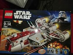 Lego Republic Frigate (7964) complete with all minifigs instructions and box!