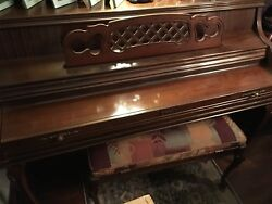 Whitney Kimball Console Upright Piano With Matching Bench Serial No 04764 1983