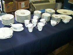 H And C Heinrich Selb Germany Bavaria Pattern 19983 93 Piece Porcelain China Set