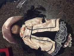VINTAGE LIMITED EDITION VANESSA PORCELAIN DOLL BY VANESSA RICARDE