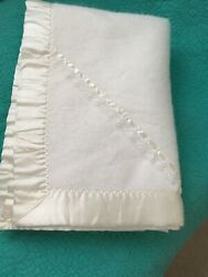 Vintage Quiltex White W/lacesatin Binding Made In Usa 100 Acrylic Baby Blanket
