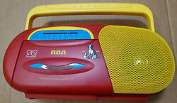 Rare Collectible Rca Handheld Battery Radio Am/fm And Tape Play Nipper Chipper Red