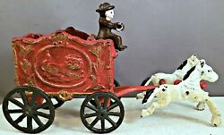Cast Iron Circus Wagon With Two Horse Team And Driver Lion On Side Of Wagon Nr