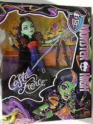 Monster High Casta Fierce Doll Witch Halloween Exclusive Special Edition Bruja