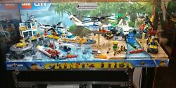 Toys R Us Store Lego. City Display Case Sets