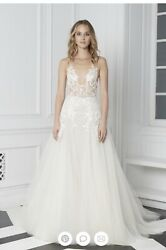 Monique Lhuillier Beaded White Wedding Dress Gown With Veil