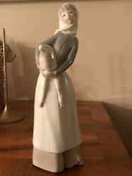 Rare Vtg Lladro Hand Painted Spain Glazed Girl With Lamb 5 Signed See Markings