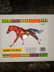Breyer 2018 Born to run Decorator classic Breyerfest model NIB